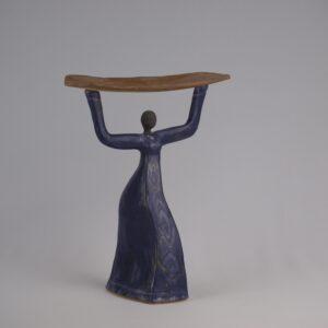 Escultura cerámica femenina de estilo africano